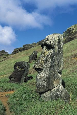 https://imgc.allpostersimages.com/img/posters/moai_u-L-PP9SK50.jpg?artPerspective=n