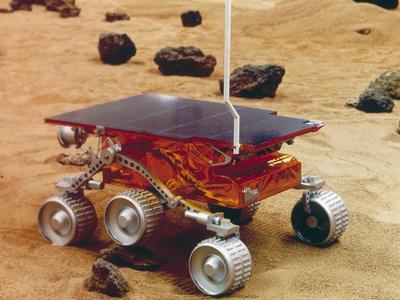 https://imgc.allpostersimages.com/img/posters/model-of-the-mars-pathfinder-rover-sojourner_u-L-Q13IRB30.jpg?artPerspective=n