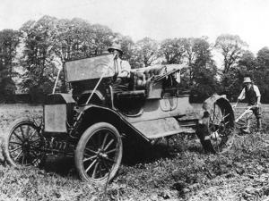 Model T Ford with Stephenson Agricultural Conversion, Sussex, 1917