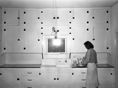 https://imgc.allpostersimages.com/img/posters/modern-rural-kitchen-1930-s_u-L-Q10P9Y50.jpg?artPerspective=n