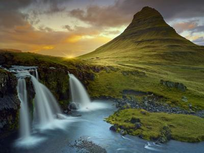 3 Waterfalls by Moises Levy