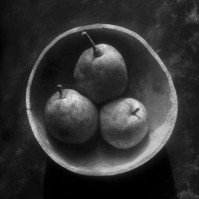Circulo de peras by Moises Levy
