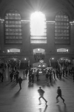 Grand Central 2 by Moises Levy