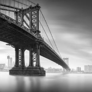 Manhattan Bridge 1 by Moises Levy