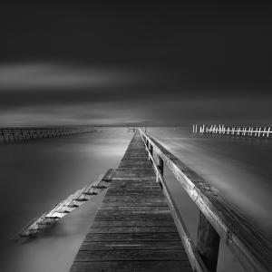 Options BW by Moises Levy