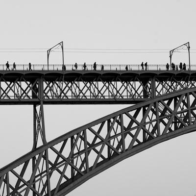 People on Porto by Moises Levy