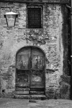 San Giminiano Door by Moises Levy