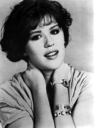 https://imgc.allpostersimages.com/img/posters/molly-ringwald-portrait-in-black-and-white_u-L-Q1HM7XU0.jpg?artPerspective=n