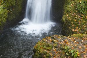 Bridal Veil Falls in Autumn by Momatiuk - Eastcott