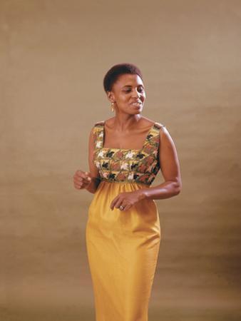 South African Singer Miriam Makeba Displays Beautiful Garb