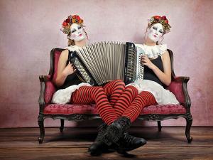 Twins by Monika Vanhercke
