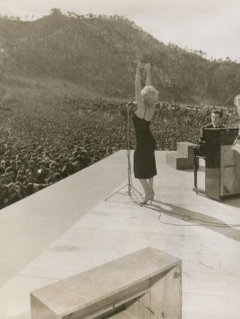 Monroe in Korea Performing