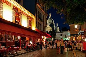 Montmartre and the Basilica of the Sacre Coeur at night, Paris, Ile de France, France