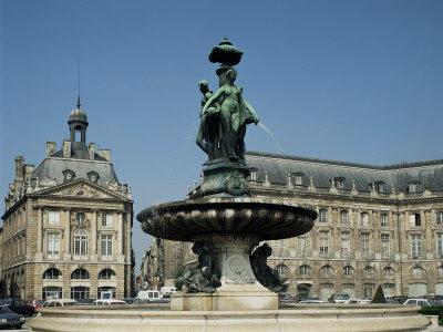 https://imgc.allpostersimages.com/img/posters/monument-aux-girondins-bordeaux-aquitaine-france_u-L-P1TAF10.jpg?artPerspective=n
