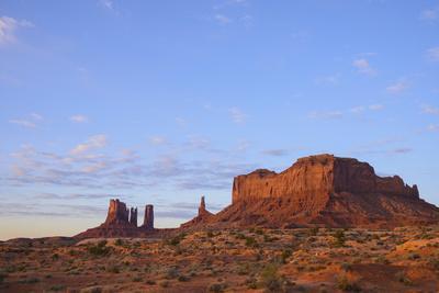 https://imgc.allpostersimages.com/img/posters/monument-valley-arizona-united-states-of-america-north-america_u-L-PQ8O1N0.jpg?p=0