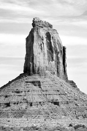 https://imgc.allpostersimages.com/img/posters/monument-valley-ii-bw_u-L-Q11UDK90.jpg?p=0