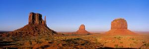 Monument Valley Tribal Park, Navajo Reservation, Arizona, USA