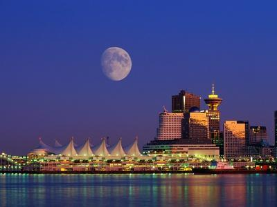 https://imgc.allpostersimages.com/img/posters/moon-over-vancouver-and-coal-harbor_u-L-PZKOLV0.jpg?p=0