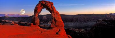 Moonrise at Delicate Arch, Arches National Park, Moab, Utah, USA