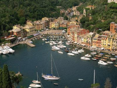 https://imgc.allpostersimages.com/img/posters/moored-boats-in-the-harbour-of-portofino-liguria-italy-europe_u-L-P7XJE40.jpg?p=0