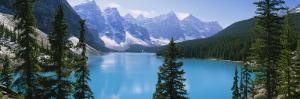 Moraine Lake, Valley of Ten Peaks, Banff National Park, Alberta, Canada