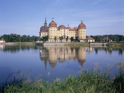 https://imgc.allpostersimages.com/img/posters/moritzburg-castle-near-dresden-sachsen-germany_u-L-P1JMVN0.jpg?p=0