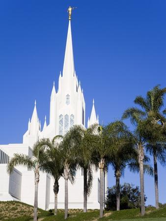 https://imgc.allpostersimages.com/img/posters/mormon-temple-in-la-jolla-san-diego-county-california-united-states-of-america-north-america_u-L-PFNQ4F0.jpg?artPerspective=n