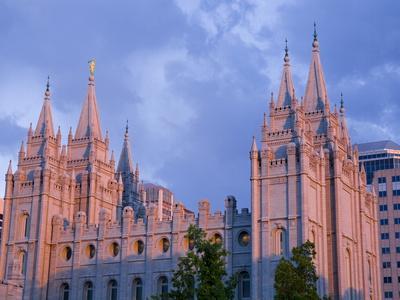https://imgc.allpostersimages.com/img/posters/mormon-temple-in-temple-square-salt-lake-city-utah-united-states-of-america-north-america_u-L-PFNE940.jpg?p=0