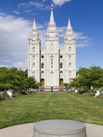 https://imgc.allpostersimages.com/img/posters/mormon-temple-on-temple-square-salt-lake-city-utah-united-states-of-america-north-america_u-L-PFNQA30.jpg?p=0
