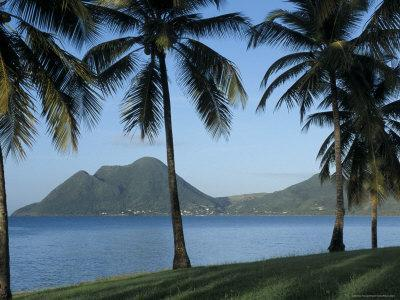 https://imgc.allpostersimages.com/img/posters/morne-larcher-baie-de-la-chery-chery-bay-martinique-west-indies-caribbean-central-america_u-L-P1TY3G0.jpg?p=0