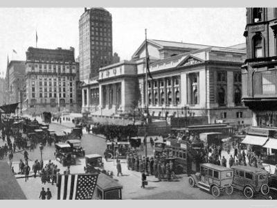 Fifth Avenue and the New York Public Library, 1911