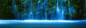 Mossbrae Falls, Sacramento River, Shasta Cascade, Dunsmuir, California, USA