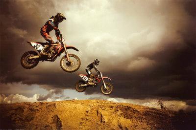 https://imgc.allpostersimages.com/img/posters/motocross-big-air_u-L-F1KNFA0.jpg?artPerspective=n
