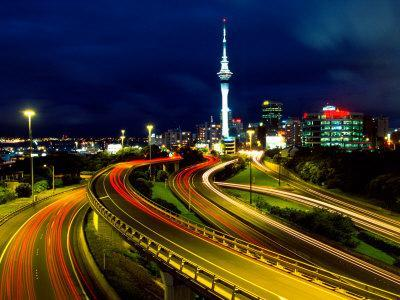 https://imgc.allpostersimages.com/img/posters/motorways-and-skytower-auckland_u-L-P2TBFQ0.jpg?artPerspective=n