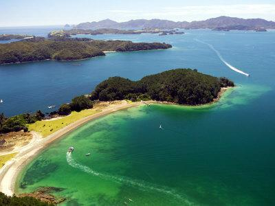 https://imgc.allpostersimages.com/img/posters/motuarohia-island-bay-of-islands-northland-new-zealand_u-L-P2T9WQ0.jpg?p=0