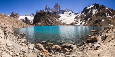 https://imgc.allpostersimages.com/img/posters/mount-fitz-roy-cerro-chalten-rising-from-lago-de-los-tres-laguna-de-los-tres-argentina_u-L-Q12SB8Y0.jpg?p=0