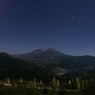 https://imgc.allpostersimages.com/img/posters/mount-st-helens-is-seen-against-a-star-filled-sky_u-L-Q10OQ140.jpg?p=0
