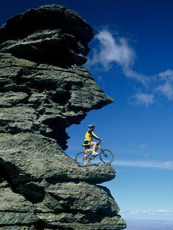 https://imgc.allpostersimages.com/img/posters/mountain-biker-and-rock-tor-dunstan-mountains-central-otago_u-L-P2TBLU0.jpg?p=0