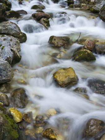 https://imgc.allpostersimages.com/img/posters/mountain-brook-on-the-peri-nik-falls-vratatal-triglav-national-park-slovenia_u-L-Q1EY2WX0.jpg?artPerspective=n