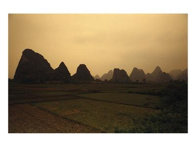 https://imgc.allpostersimages.com/img/posters/mountain-landscape-guilin-china_u-L-F8MXQ70.jpg?p=0