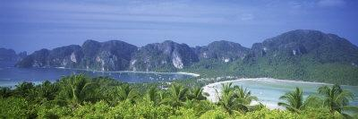 https://imgc.allpostersimages.com/img/posters/mountain-range-and-trees-in-the-island-phi-phi-islands-thailand_u-L-P18M2D0.jpg?p=0
