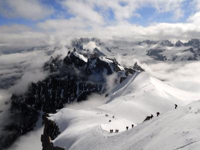 https://imgc.allpostersimages.com/img/posters/mountaineers-and-climbers-mont-blanc-range-french-alps-france-europe_u-L-PXUTTN0.jpg?p=0