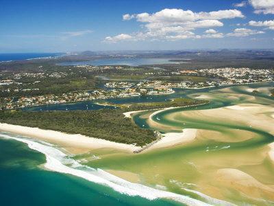 https://imgc.allpostersimages.com/img/posters/mouth-of-noosa-river-noosa-heads-sunshine-coast-queensland-australia_u-L-P2T5E60.jpg?artPerspective=n