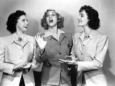 Andrew Sisters on Blazers singing by Movie Star News