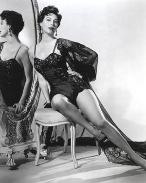 Ava Gardner posed in Black Lingerie on the Mirror by Movie Star News
