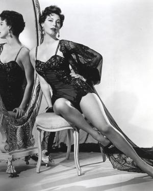 Ava Gardner posed in Black Lingerie on the Mirror by Movie Star News
