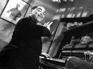Fats Waller Playing Piano with One Hand by Movie Star News