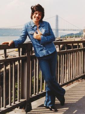 Freddie Prinze in Long Sleeves Jeans Portrait by Movie Star News