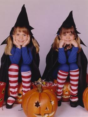 Full House Halloween Theme Portrait by Movie Star News