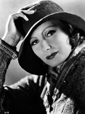 Greta Garbo Posed wearing Jacket with Hat Portrait by Movie Star News